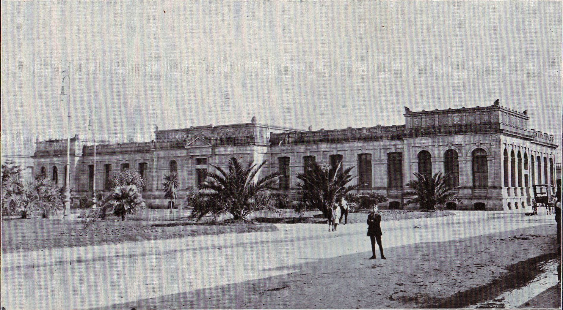 Vista desde la calle José L. Terra, Edificio de la Sección Odontología.